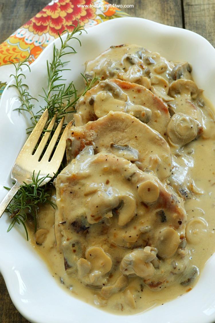 Pork Chops In Mushroom Soup  Easy Cream of Mushroom Pork Chops Toot Sweet 4 Two