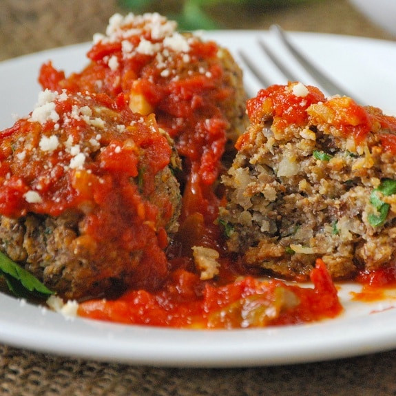 Pressure Cooker Tomato Sauce  Pressure Cooker Cheesy Beef Meatballs in Tomato Basil