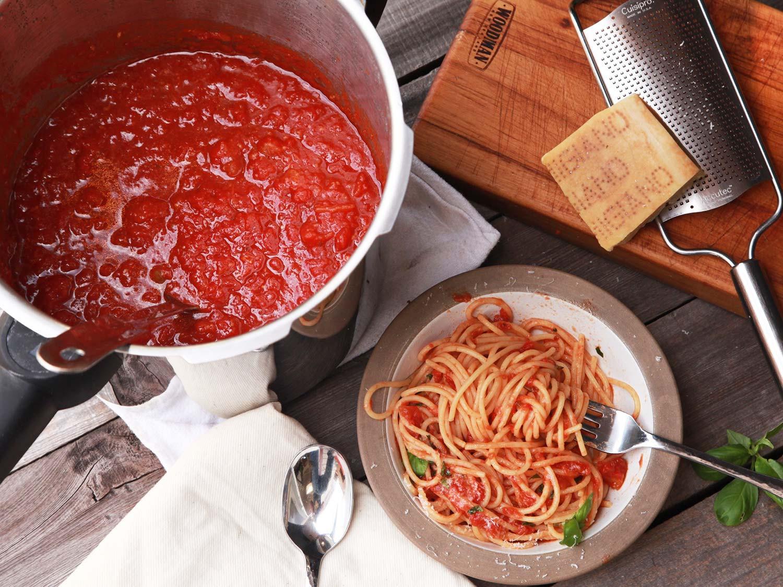 Pressure Cooker Tomato Sauce  Pressure Cooker Tomato Sauce Recipe