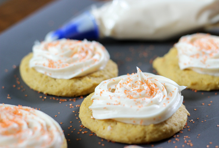 Pumpkin Cookies With Cream Cheese Frosting  Pumpkin Cookies with Cream Cheese Icing Clevelry Simple