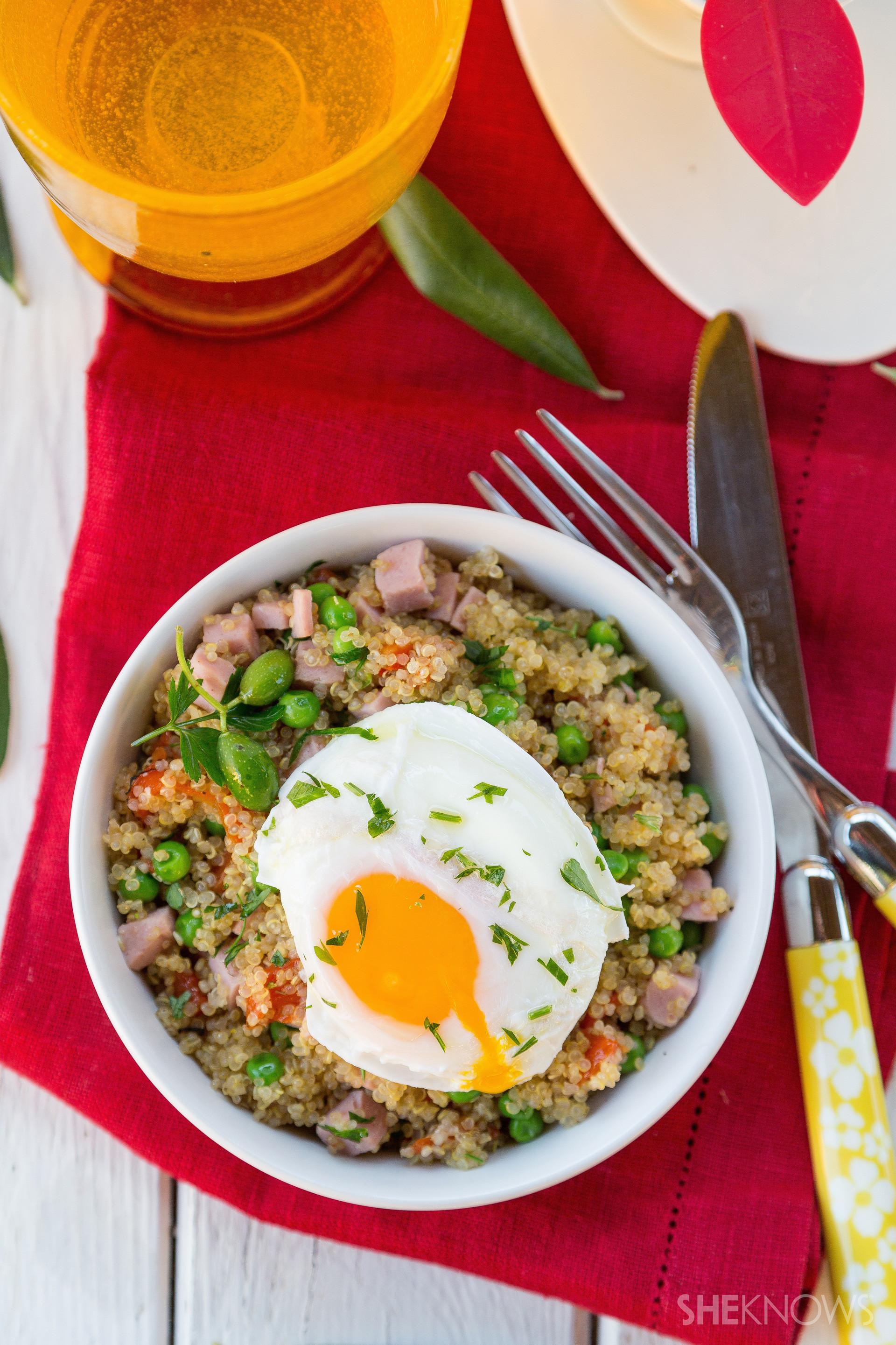 Quinoa Breakfast Bowl  Superfood filled quinoa breakfast bowl