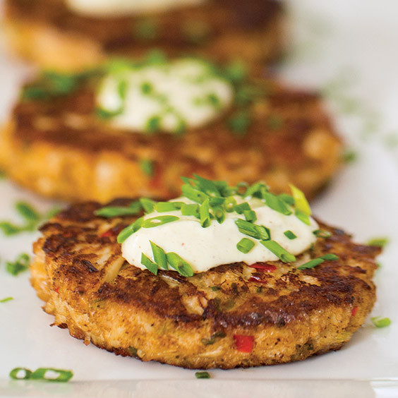 Remoulade Sauce For Crab Cakes  Crab Cakes with Remoulade Sauce Recipe