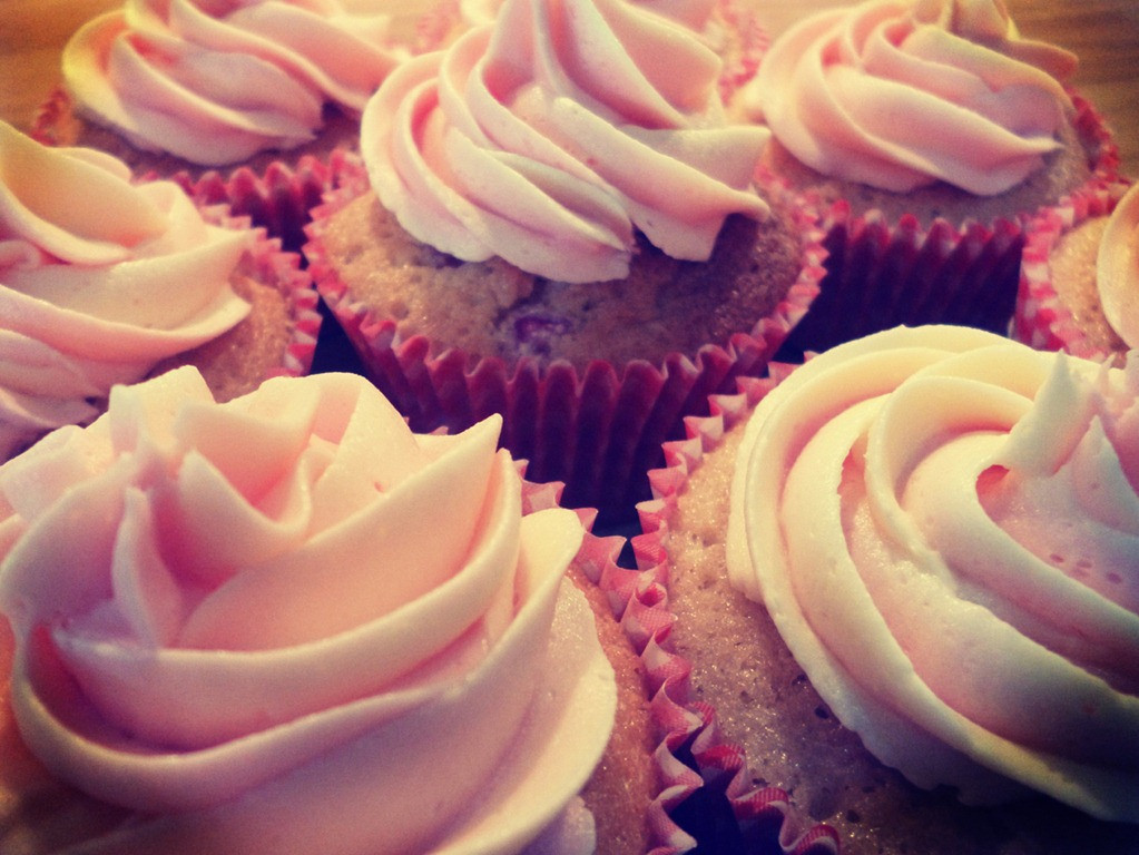 Rhubarb Custard Cupcakes  Rhubarb and Custard Cupcakes…