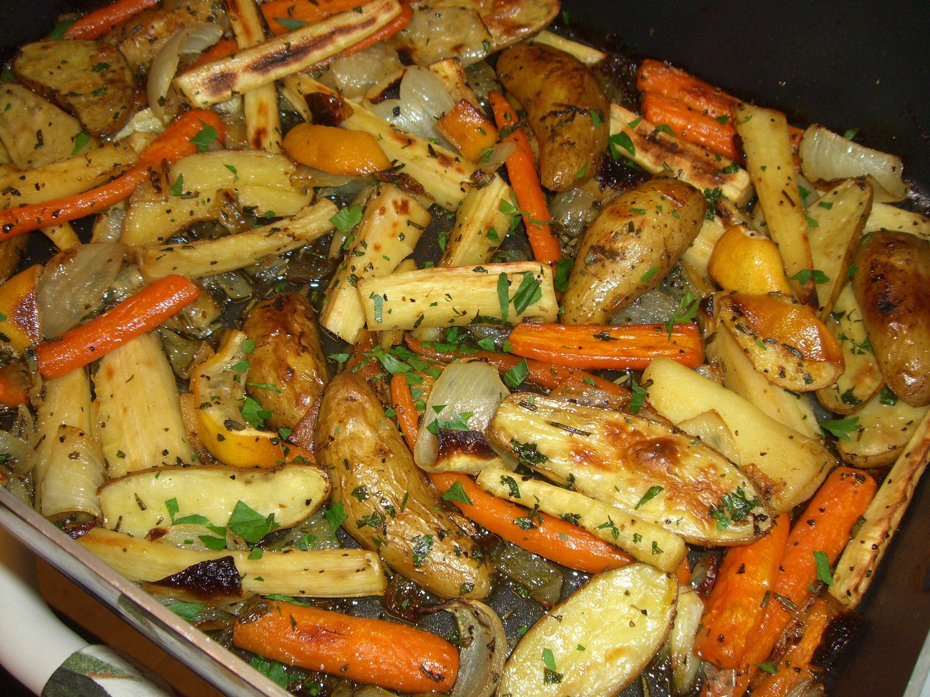 Roasted Potatoes And Carrots And Onions  roasted potatoes and onions and carrots