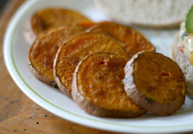 Roasted Sweet Potato Slices  Sliced Baked Sweet Potatoes – Hungry Hannah