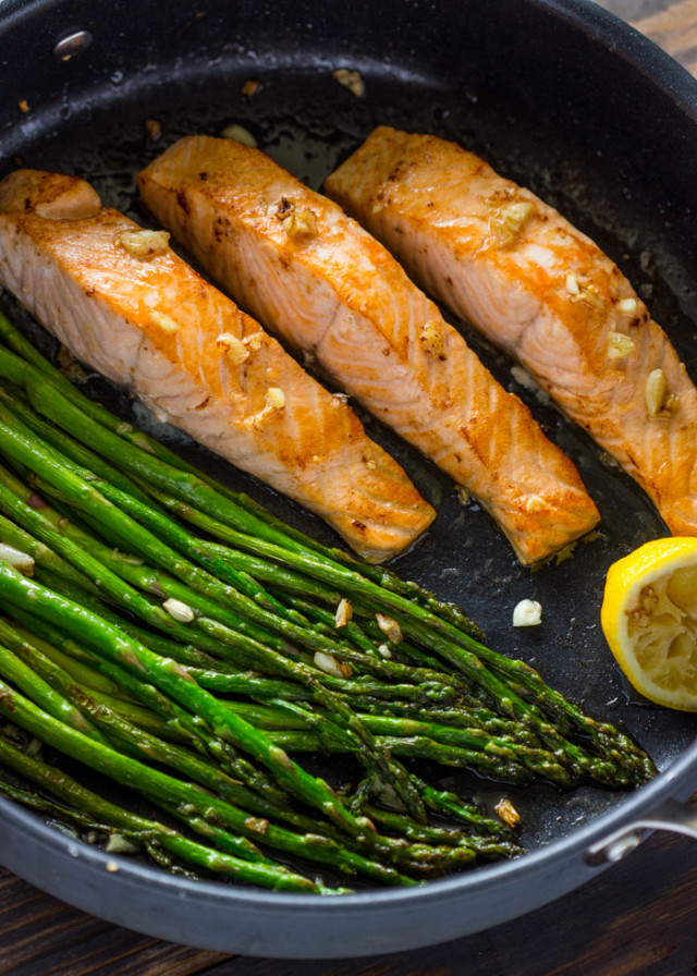 Salmon And Asparagus Recipe  e Pan Lemon Garlic Salmon and Asparagus