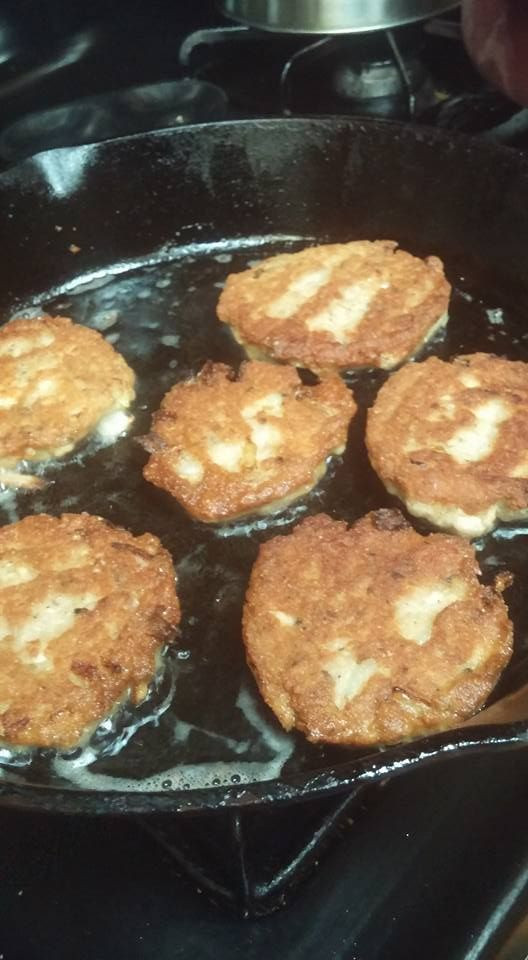 Salmon Patties With Cornmeal  salmon patties with cornmeal and flour