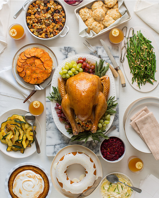 Simple Thanksgiving Dinners  50 Thanksgiving Decorating Ideas Home Bunch Interior
