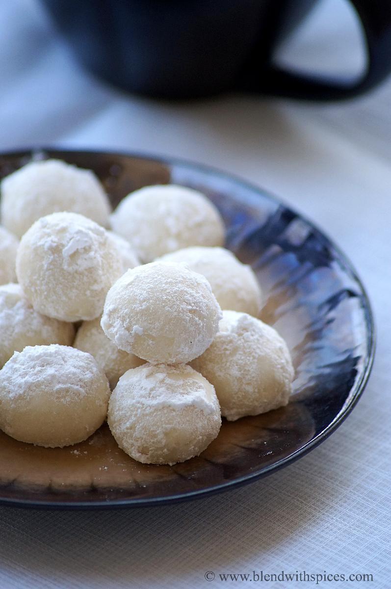 Snowball Cookies Recipe  11 Kickass International Christmas Desserts