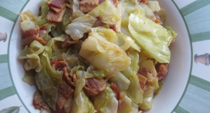 Southern Bacon Fried Cabbage  This 5 Ingre nt Southern Bacon Fried Cabbage Recipe Is