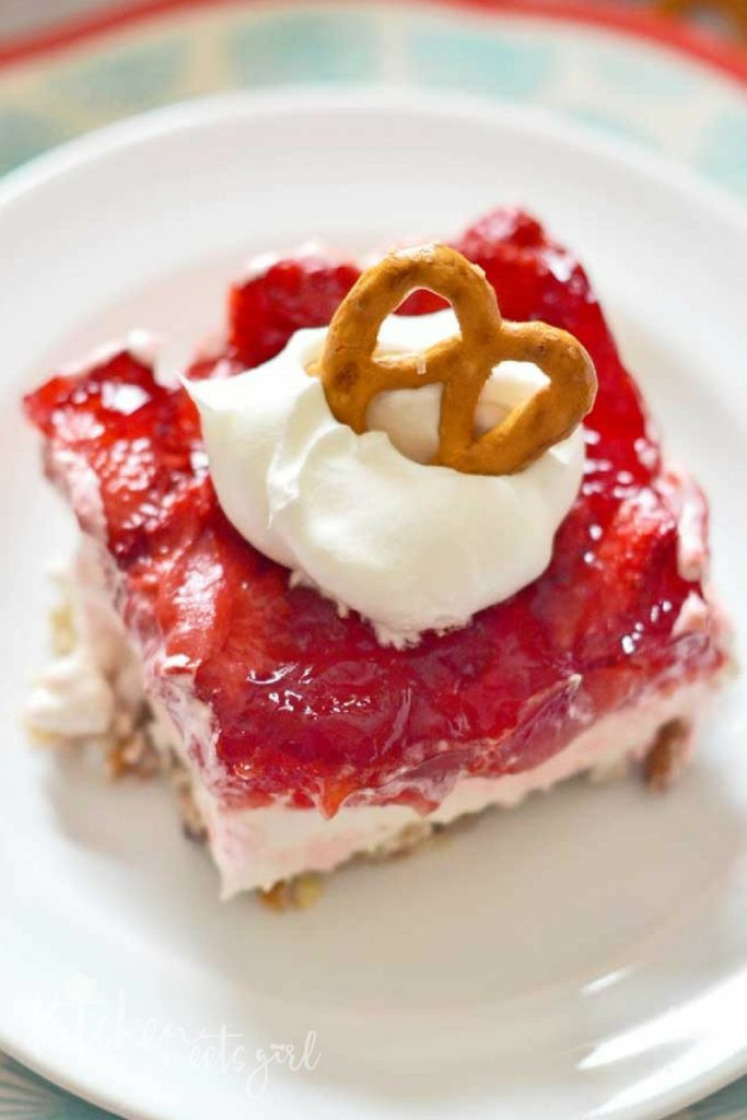 Strawberry Cream Cheese Pretzel Dessert  Strawberry Pretzel Dessert