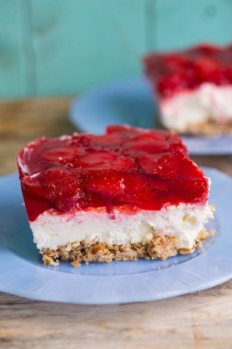 Strawberry Cream Cheese Pretzel Dessert  10 Best Strawberry Pretzel Dessert Cream Cheese Recipes