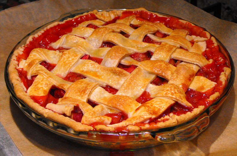 Strawberry Rhubarb Pie Recipes  Summer Book Series Life of Pie Part Seven With