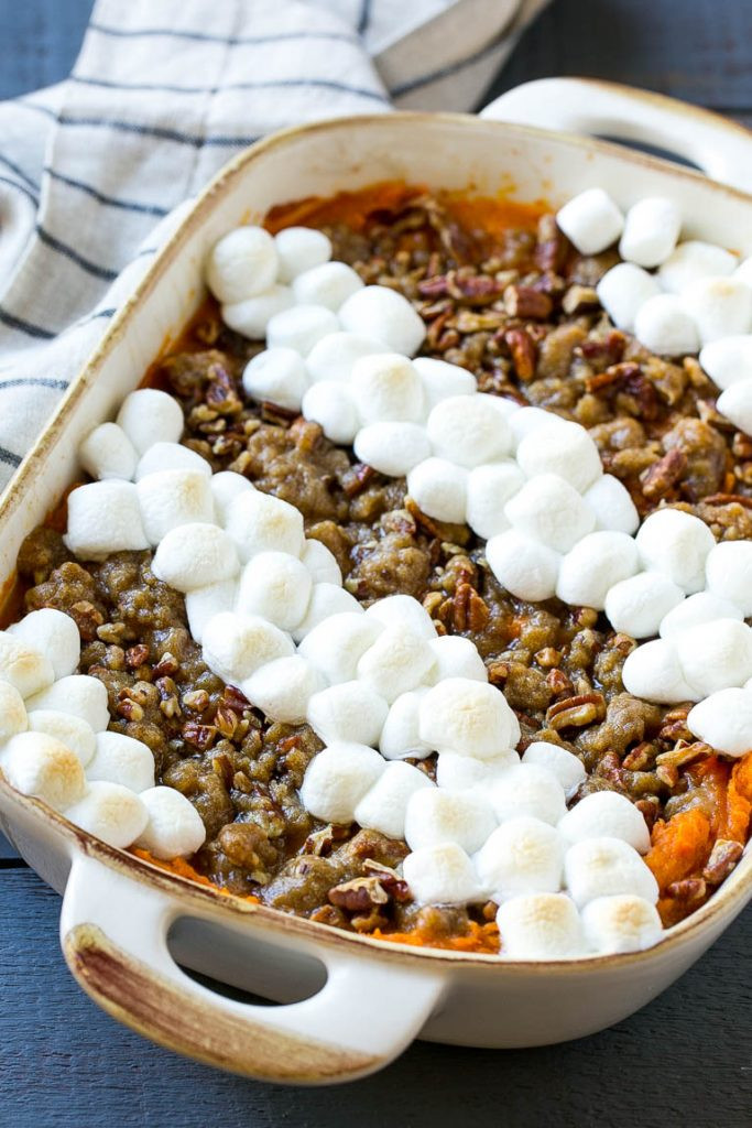 Sweet Potato Casserole With Pecans And Marshmallows  Sweet Potato Casserole with Marshmallows Dinner at the Zoo