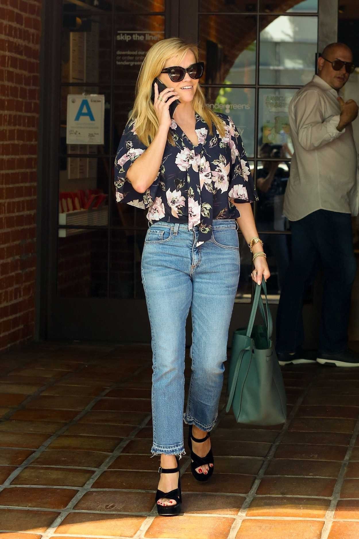 Tender Greens Westwood  Reese Witherspoon in a Blue Jeans Leaves Tender Greens in