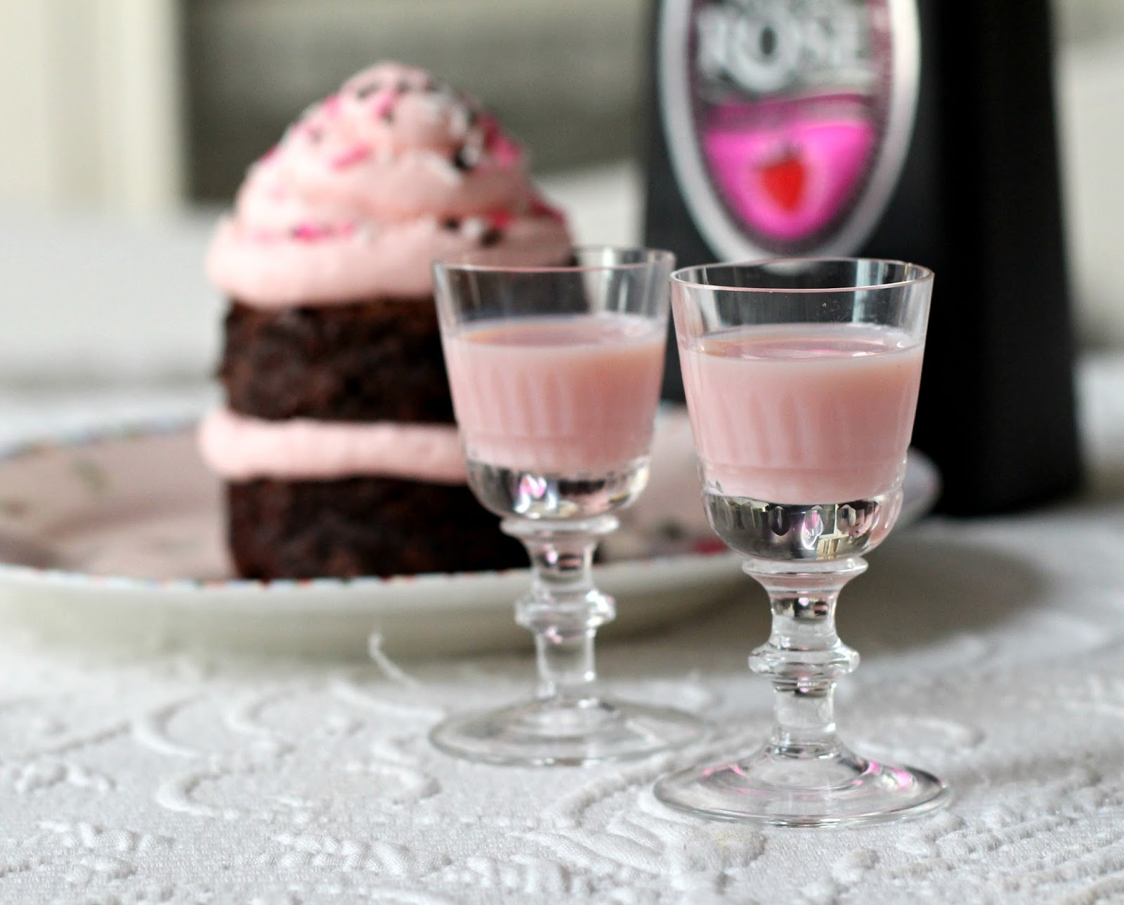 Tequila Rose Drinks Recipes  Tequila Rose Strawberry Cream Frosting