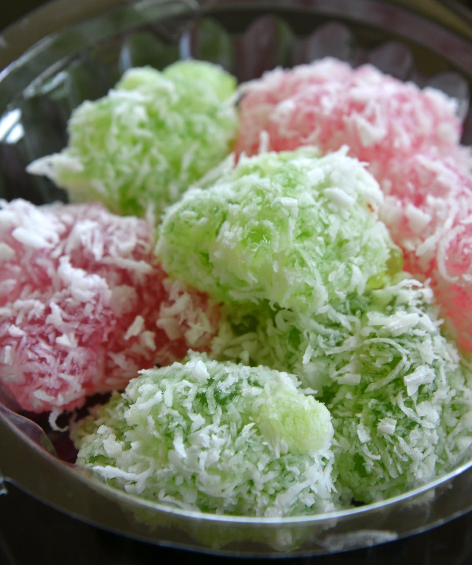 Thai Dessert Recipe  File Khanom tom JPG Wikimedia mons
