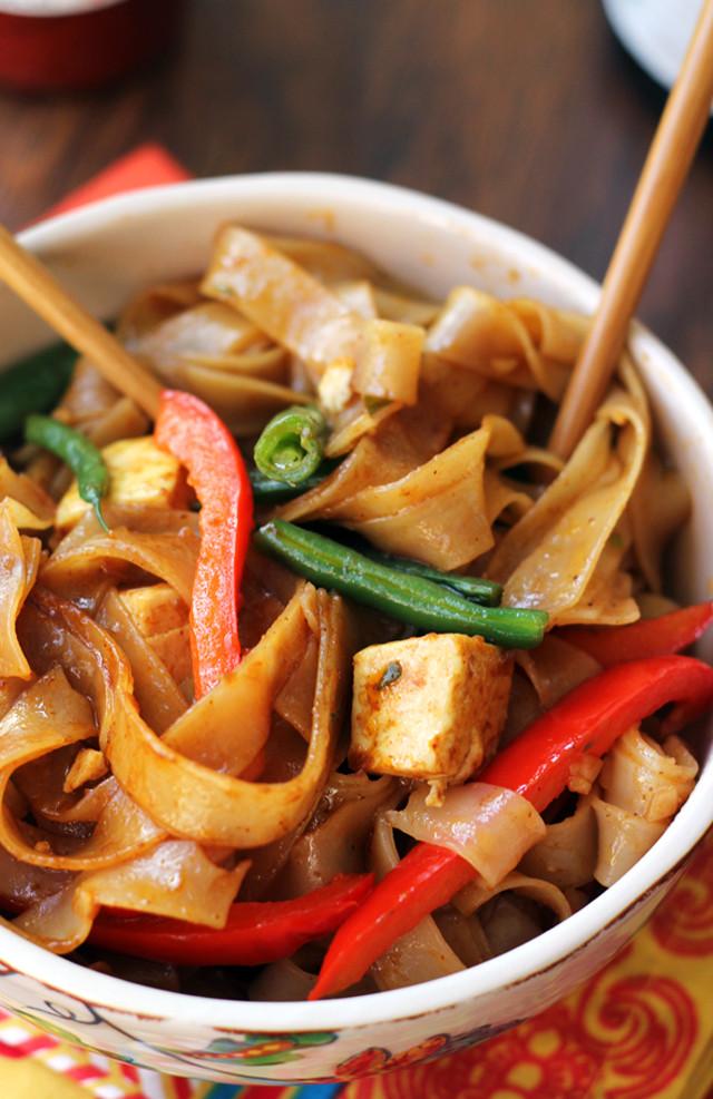 Thai Drunken Noodles Recipe  Drunken Noodles with Tofu and Peppers