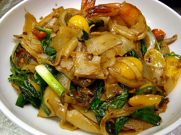 Thai Drunken Noodles Recipe  Jet Tila s Drunken Noodles Recipe Average Betty