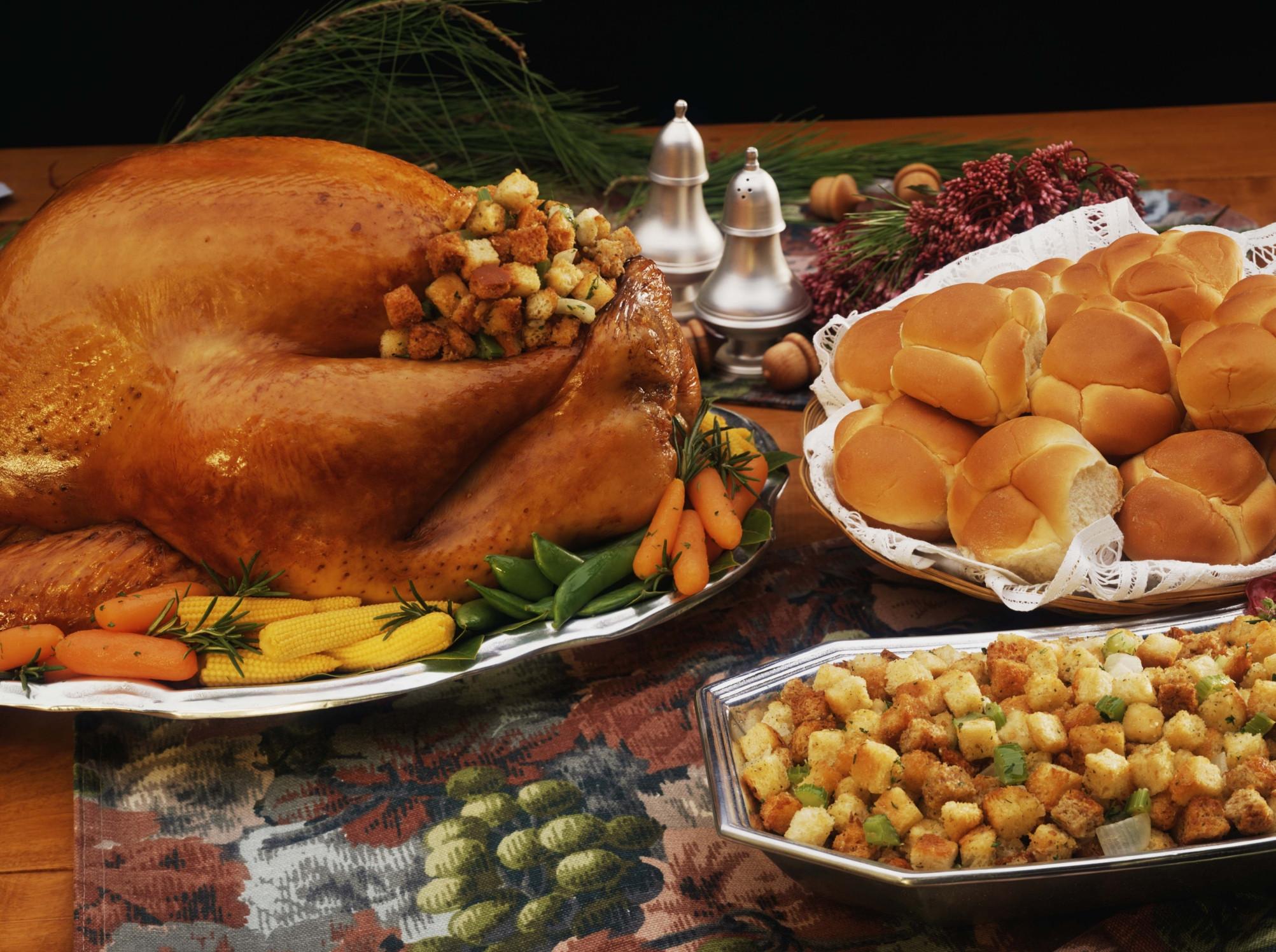 Thanksgiving Dinner Pictures  Area Restaurants Cook Thanksgiving Dinner