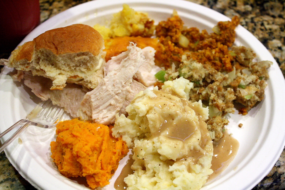 Thanksgiving Dinner Plates  How to make a Southern Thanksgiving meal