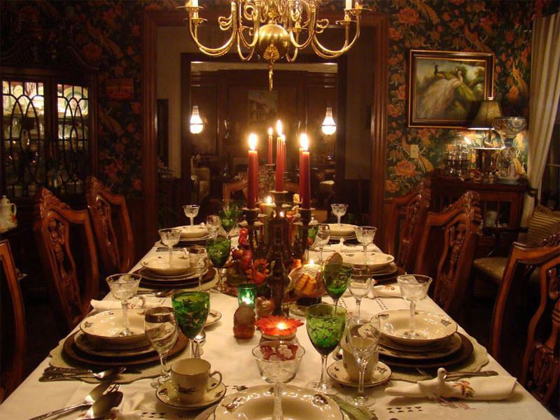 Thanksgiving Dinner Table  crazy frankenstein Suzy q better decorating bible blog