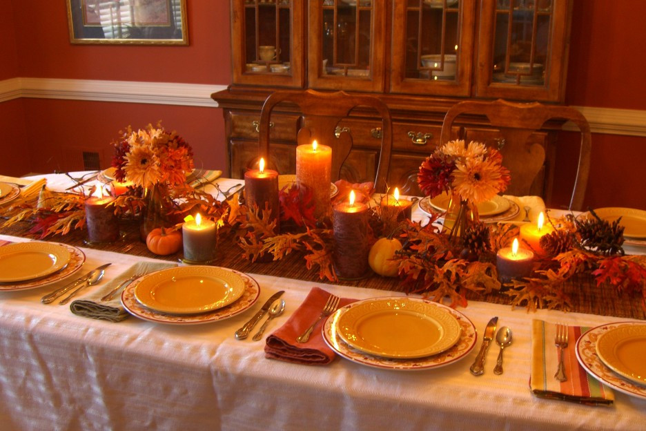 Thanksgiving Dinner Table  Extensive White Decorating Table For Thanksgiving With