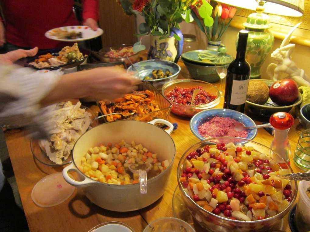 Thanksgiving Dinners To Go  Cost Cooking Thanksgiving Dinner Business Insider