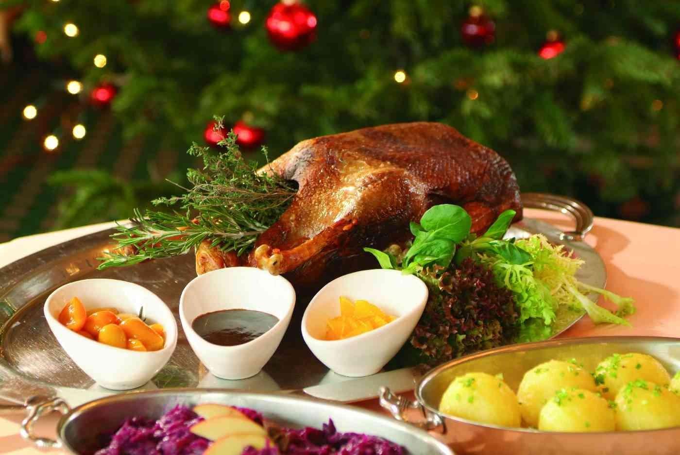 Traditional Christmas Dinner  Traditional German Christmas Dinner