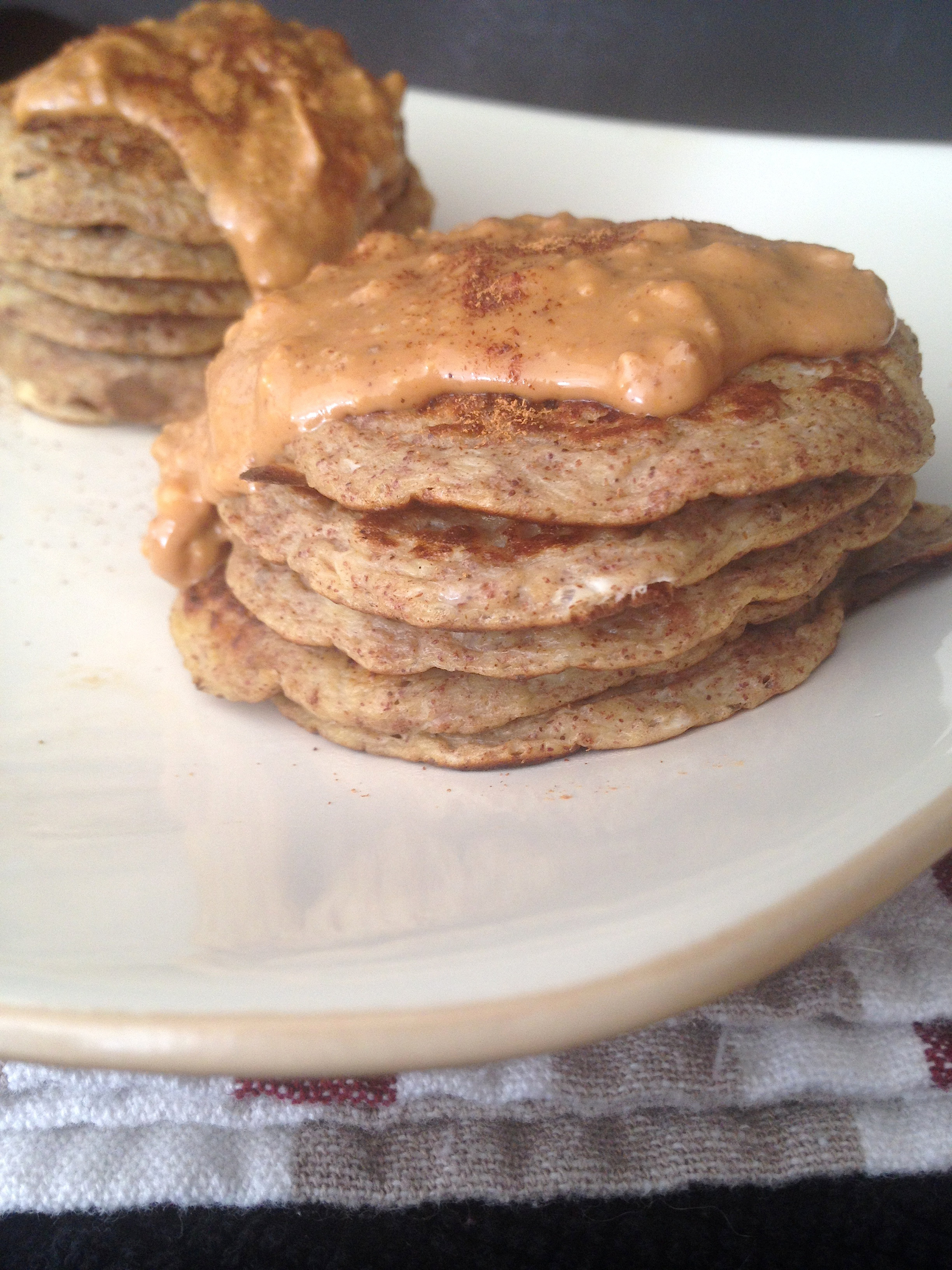 "Two Ingredient Pancakes  ""2 Ingre nt"" French Toast Pancakes"