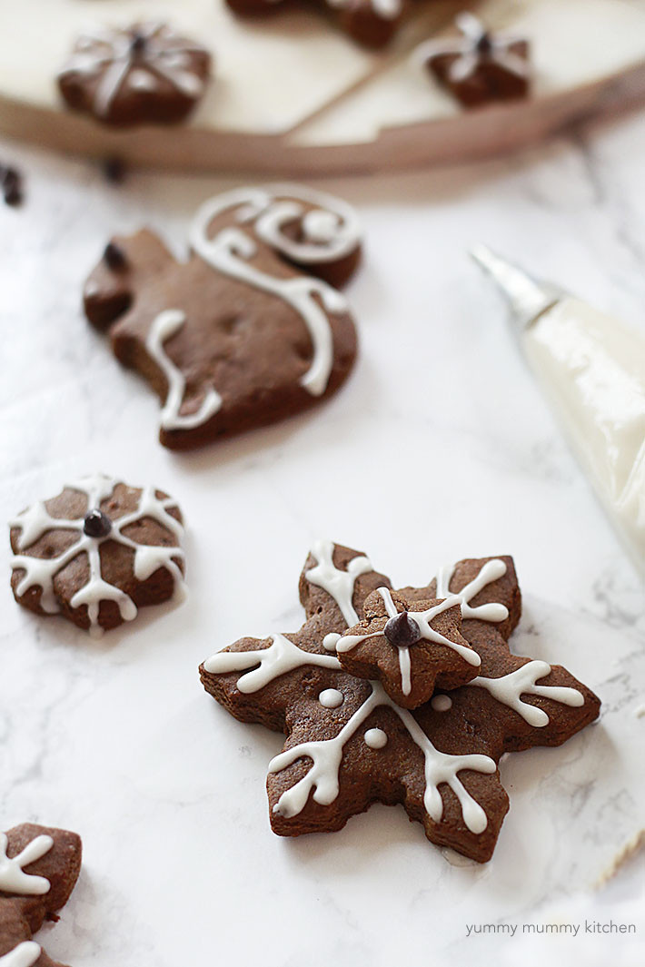 Vegan Gingerbread Cookies  Vegan Gingerbread Cookies Yummy Mummy Kitchen