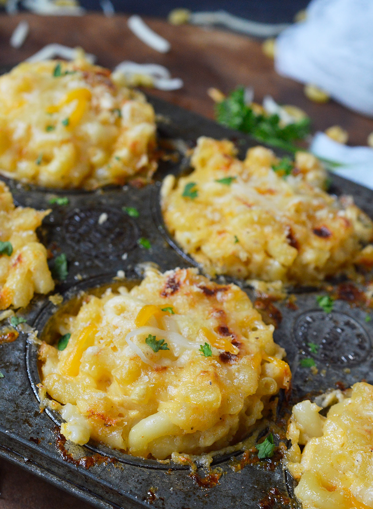 What Meat Goes With Mac And Cheese For Dinner  Mac n Cheese Muffins Recipe WonkyWonderful
