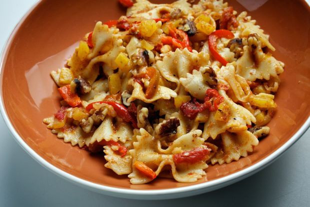 Whats For Dinner Tonight  What s for dinner tonight Farfalle With Squash and Red