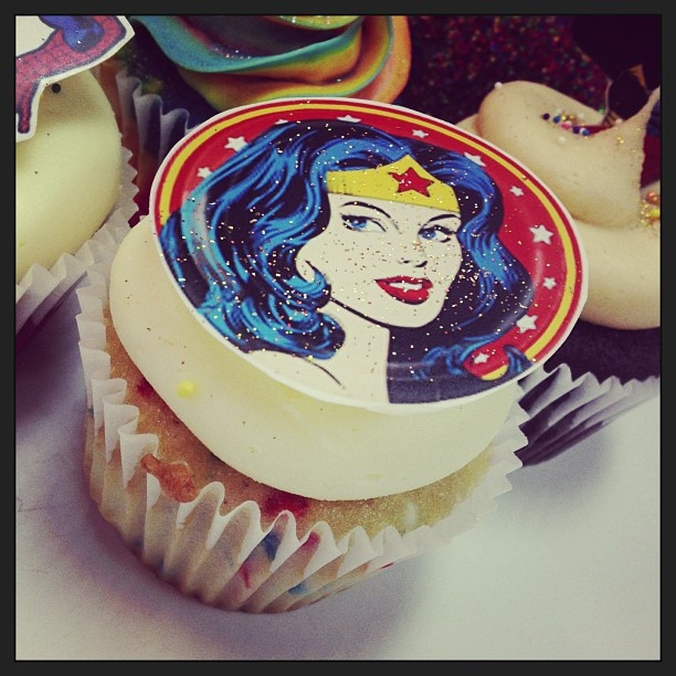 Wonder Woman Cupcakes  wonder woman cupcake iSparkle Cupcakes