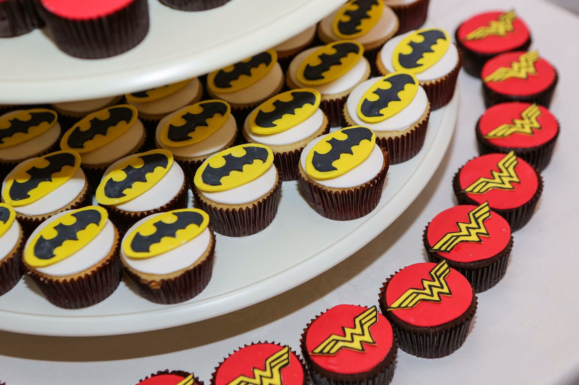 Wonder Woman Cupcakes  superhero