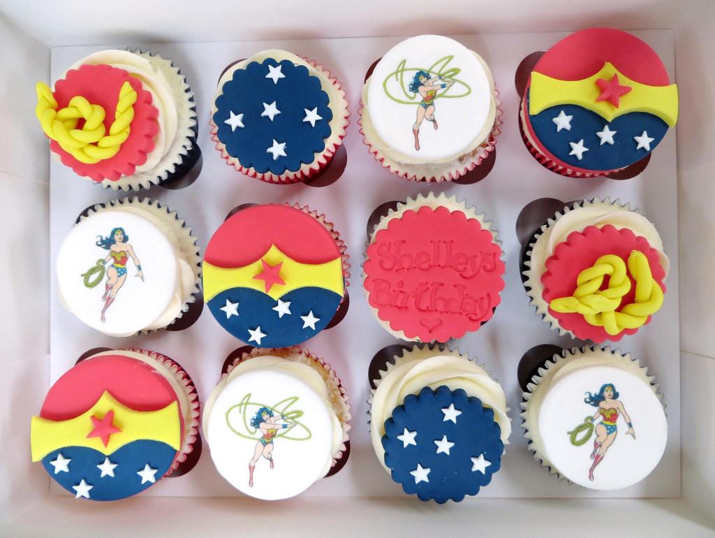 Wonder Woman Cupcakes  Wonder Woman Birthday Cupcakes