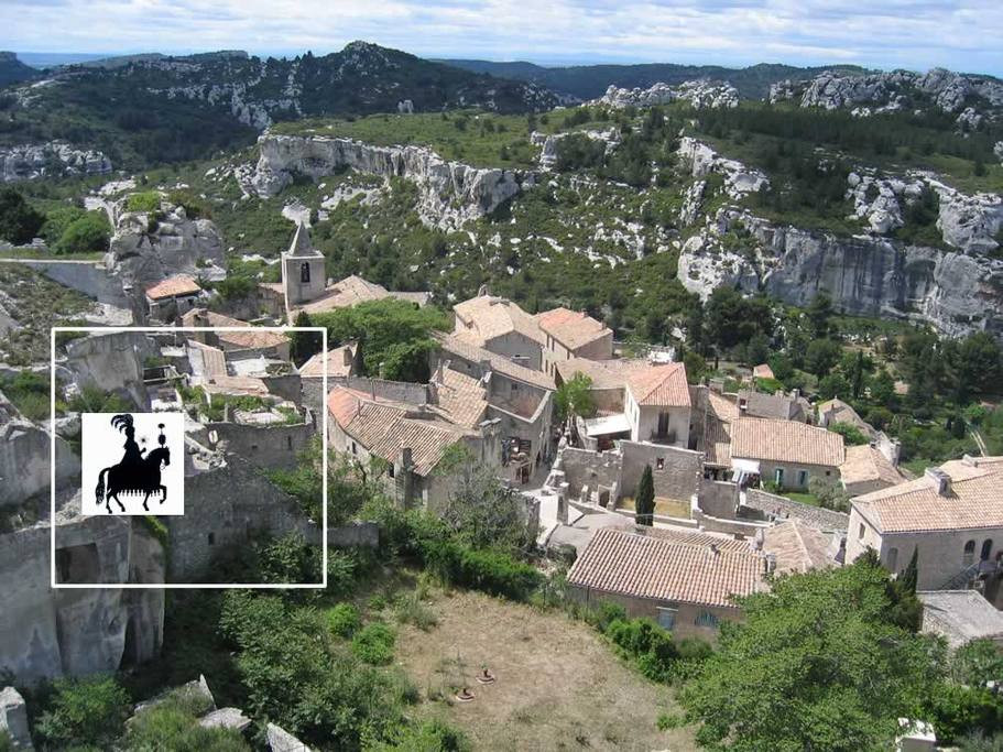 You Own A Bed And Breakfast In Southern France  Unusual stay in Baux de Provence Bed and breakfasts for