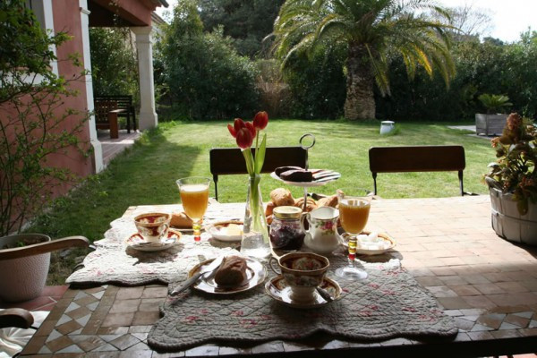You Own A Bed And Breakfast In Southern France  Bed & breakfast in Cassis Villa Bella Cassis