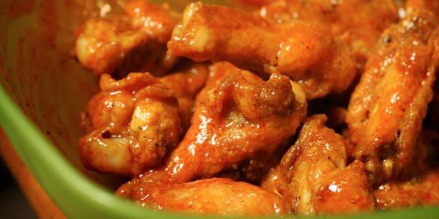 Zaxby'S Chicken Fingers & Buffalo Wings  Jared Cook finds chicken head in Buffalo Wild Wings