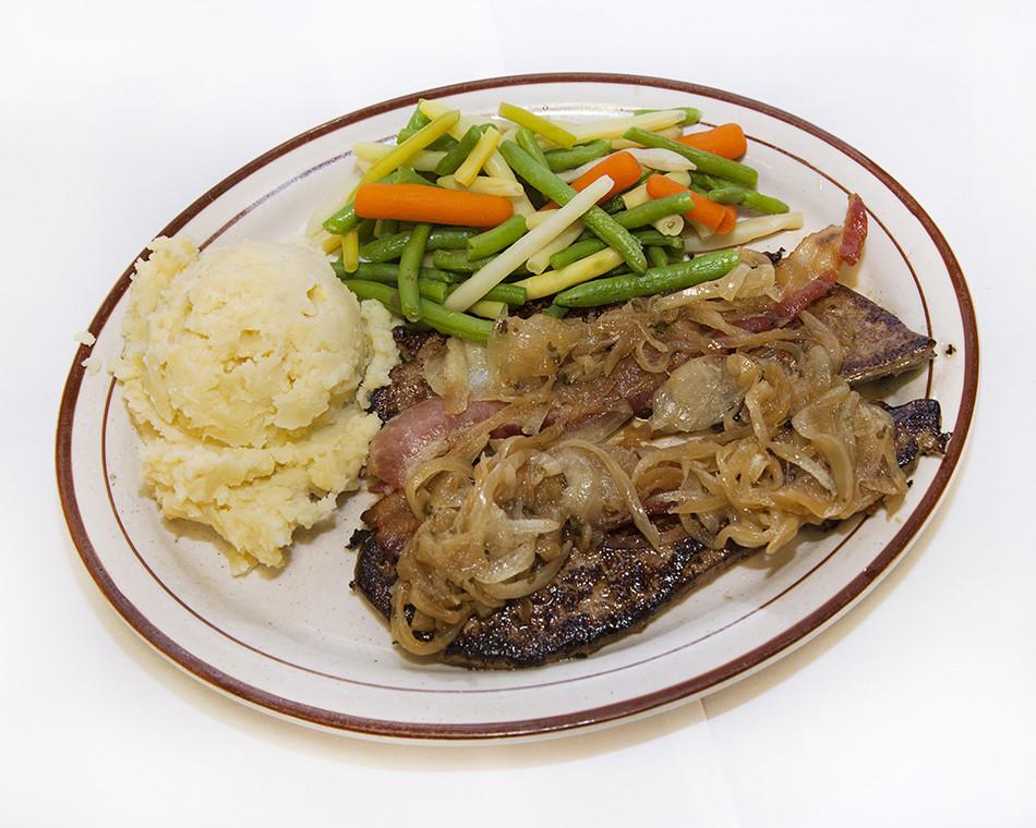 A Dinner Of Onions  Dinner The Family Tree Restaurantr