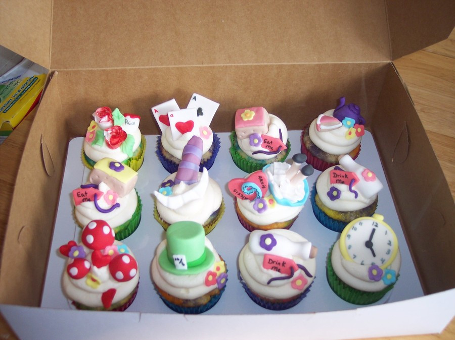Alice In Wonderland Cupcakes  Alice In Wonderland Cupcakes CakeCentral