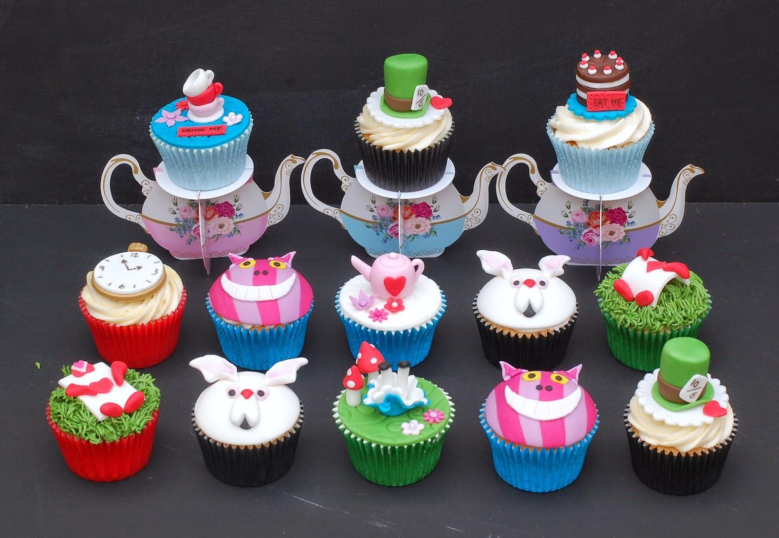 Alice In Wonderland Cupcakes  Vanilla Frost Alice in Wonderland Cupcakes