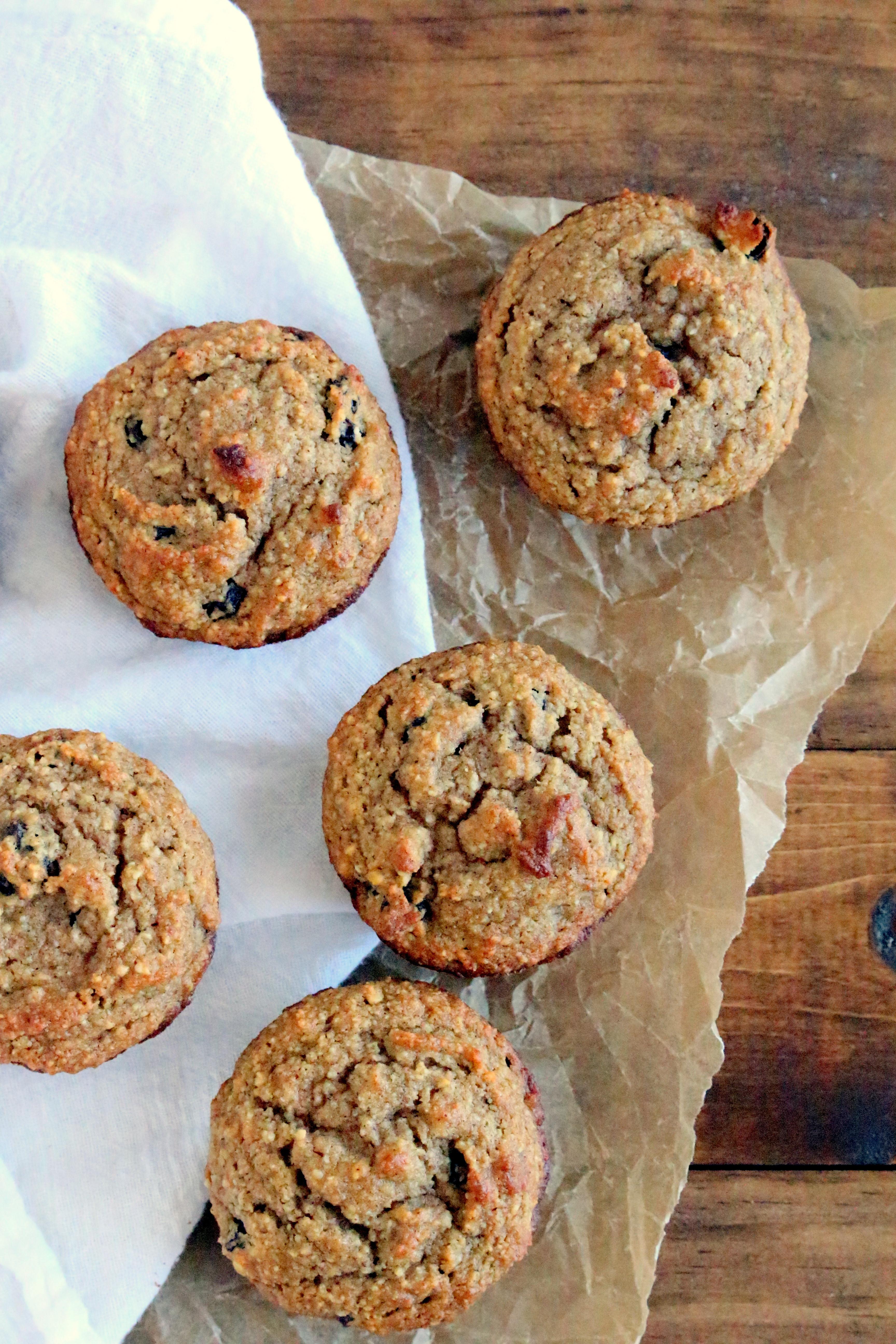 Almond Flour Oatmeal Cookies  almond flour oatmeal raisin cookies