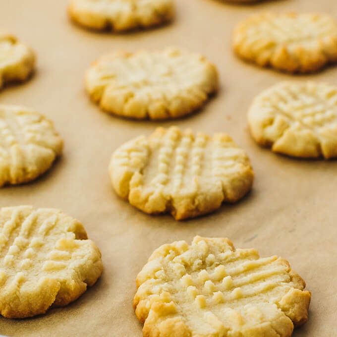 Almond Flour Peanut Butter Cookies  almond flour peanut butter cookies