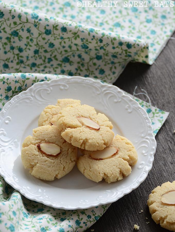 Almond Shortbread Cookies  Vanilla Almond Shortbread Cookies Healthy Sweet Eats