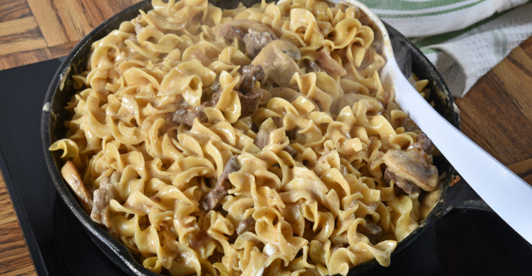 Amish Beef And Noodles  Tastee Recipe Amish Style Beef And Noodles Perfect for