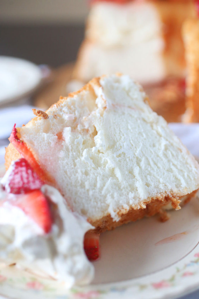 Angel Food Cake Toppings  Angel Food Cake Recipe with Strawberry Topping