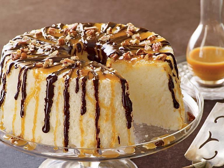 Angel Food Cake Toppings  chocolate topping angel food cake