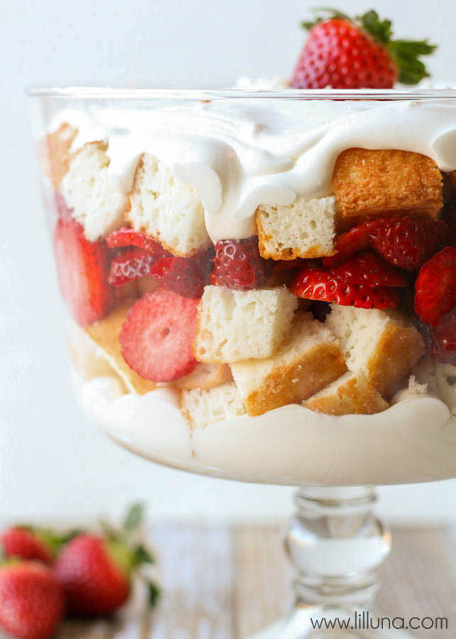Angel Food Cake Trifles  Strawberries and Cream Angel Food Cake Trifle