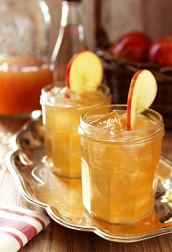 Apple Cider Drink  Bourbon and Apple Cider Cocktail
